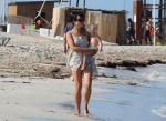 Jamie Dornan mit schwangerer Ehefrau Amelia Warner und Tochter am Strand - 50 Shades of Grey Star als liebevoller Vater