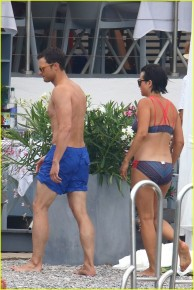 jamie-dornan-wife-amelia-warner-fifty-shades-beach-scenes-01